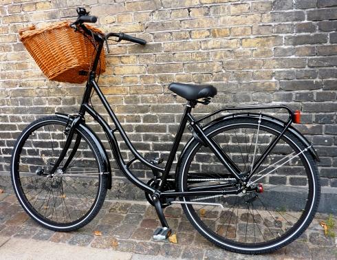 ¿Paseamos en bicicleta? Bici en bodega. Enoturismo