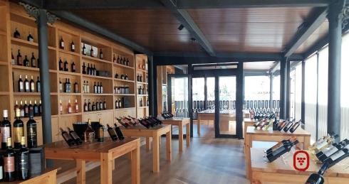 Tienda de vino en bodega